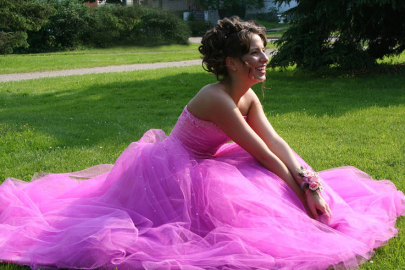pretty-in-pink-prom-dress-her-prom-day-1173837